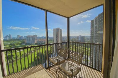 20379 W Country Club Dr #2039 1