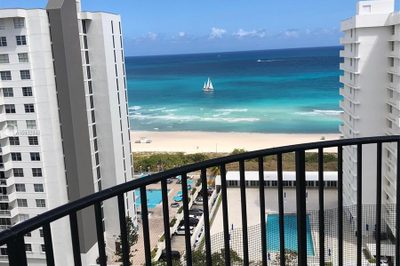 5660 Collins Ave #16B 1
