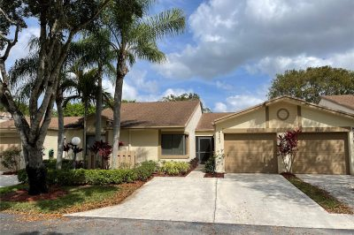8263 Whispering Palm Dr 1