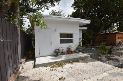 1527 SW 20th Ave #REAR 1