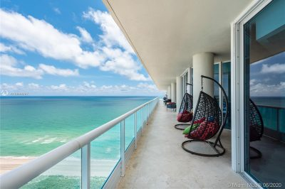 5025 Collins Ave #penthouse East & West 1