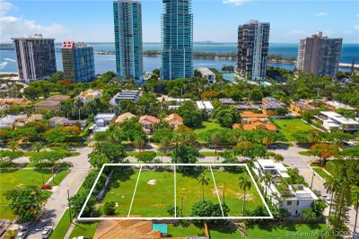 2100 S Miami Avenue 1