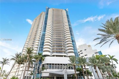 6301 Collins Ave #1906 1