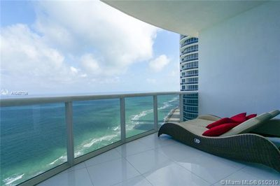 18201 Collins Ave #4809 1