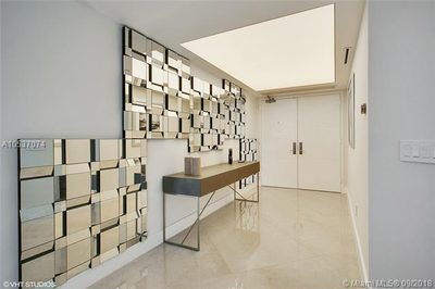 4775 Collins Ave #2701 1