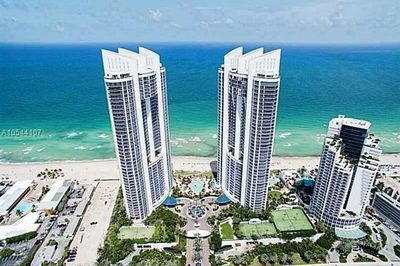 18201 Collins Ave #1207 1