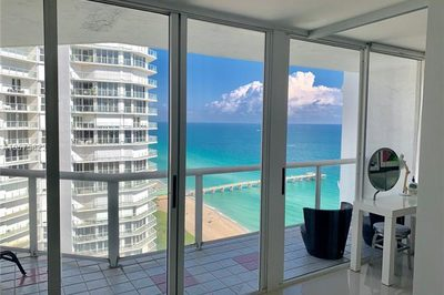 16425 Collins Ave #2315 1