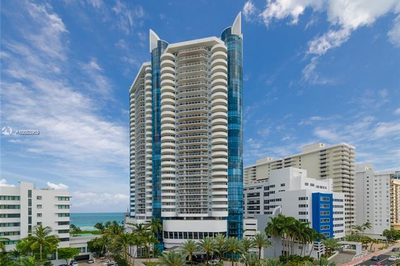 6301 Collins Ave #2502 1
