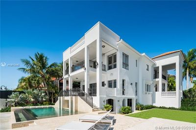 3590 Crystal View Ct 1