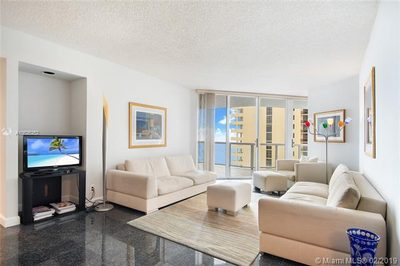 16425 Collins Ave #912 1