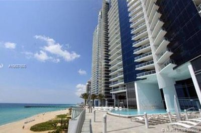 17121 Collins Ave #2706 1