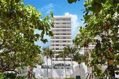 5801 Collins Ave #700 1