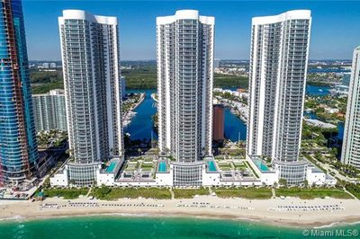 16001 Collins Ave #3205 1