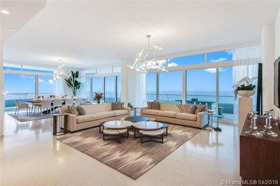 3315 Collins Ave #10A 1