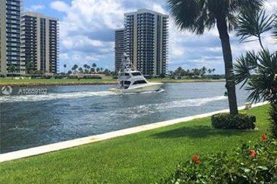 20 Yacht Club Dr #107 1