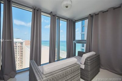 2655 Collins Ave #2207 1