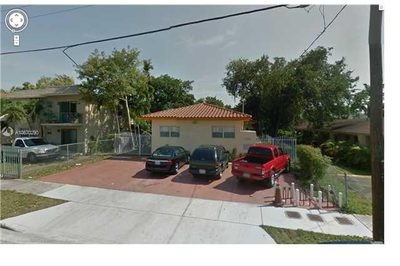 1330 NW 5th St 1