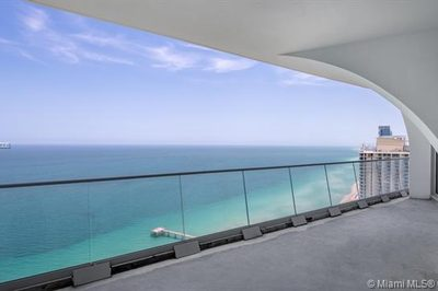16901 Collins Ave #4001 1