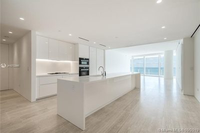 9001 Collins Ave #S-707 1