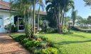 Detached villas has kitchenette