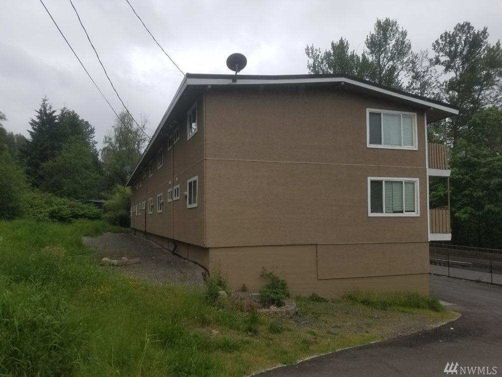 102 Summit Ave N Photo 15