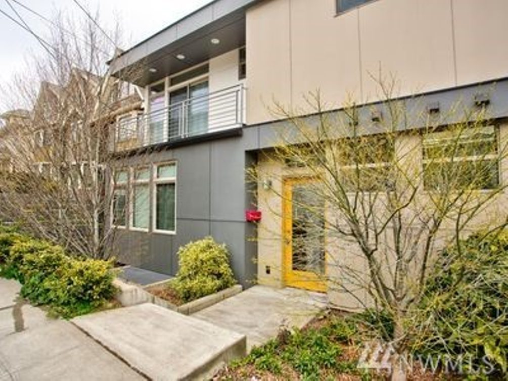 1102 Taylor Ave N Photo 1