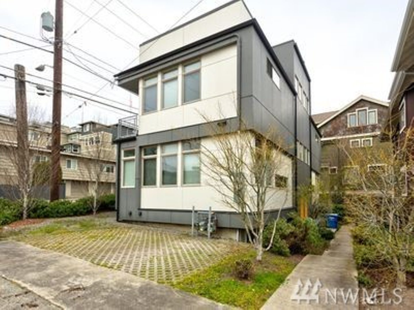 1102 Taylor Ave N Photo 16