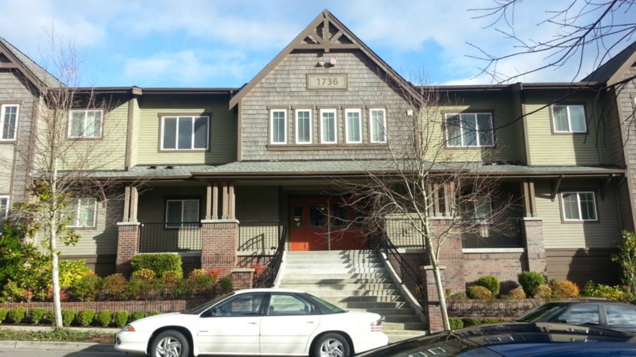1736 10th Ave NE #C103 Photo 1