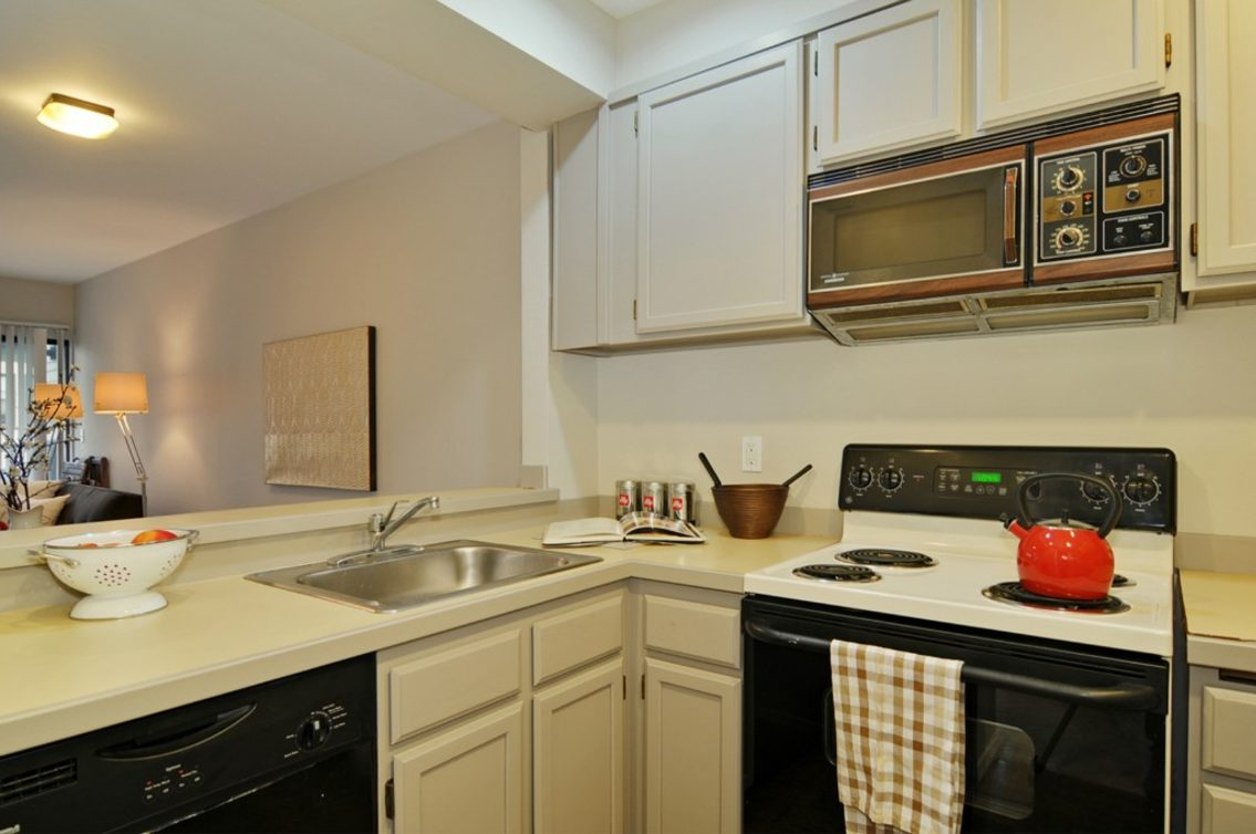 435 Summit Ave E #401 Photo 7
