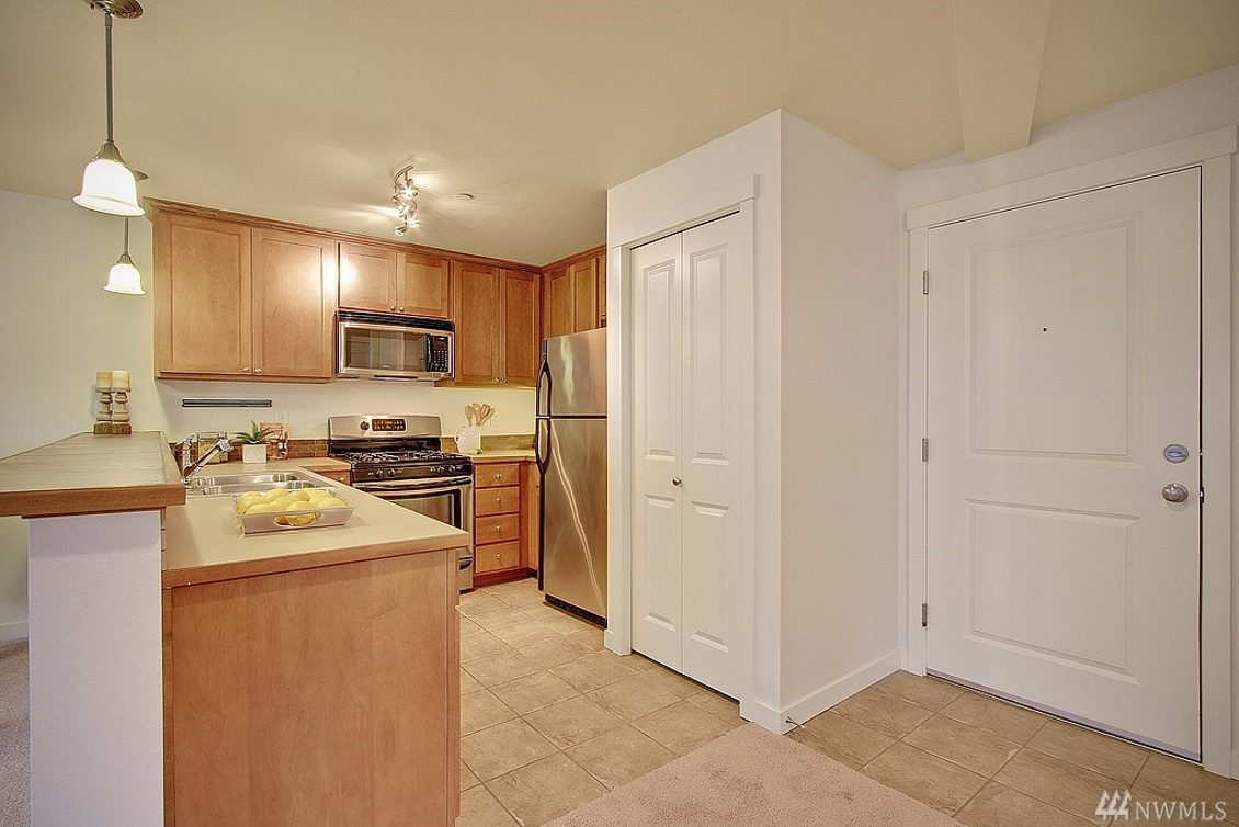 4752 41st Ave SW #308 Photo 8
