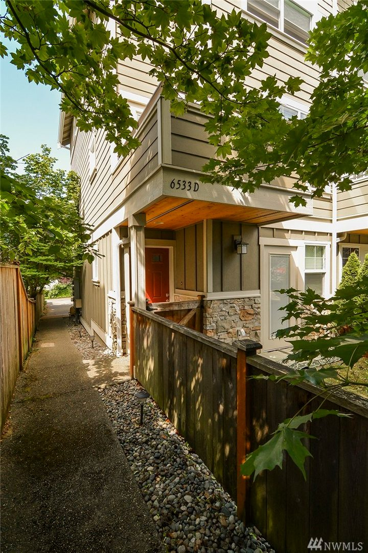 6533 42nd Ave SW Ave SW #D Photo 1