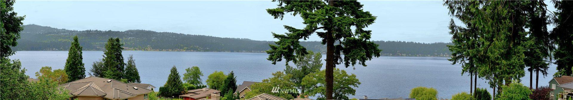 2405 E Lake Sammamish Place SE Photo 2