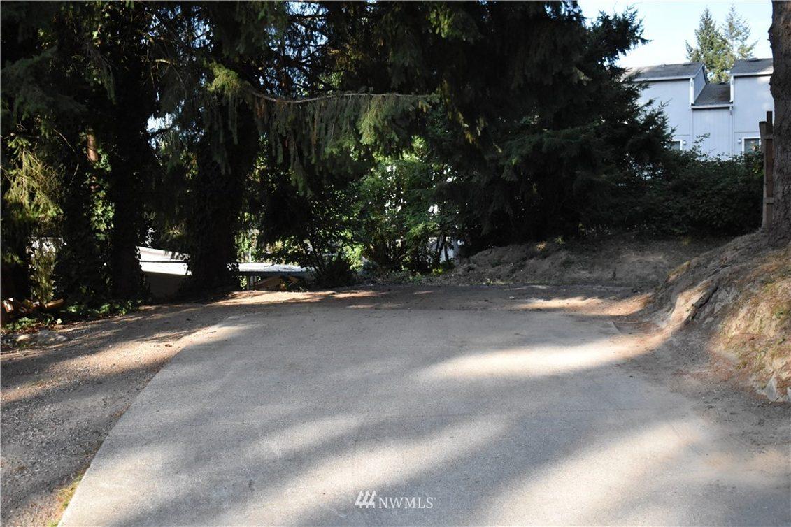 1741 Higgins Road SE Photo 18